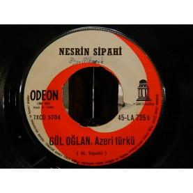 NESRİN SİPAHİ - Ağla Gitar / Gül Oğlan (Azeri Türkü) 02669